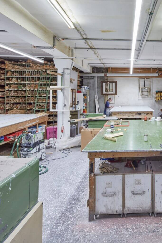 Martin Laska Rahmenfabrik 167 hoch